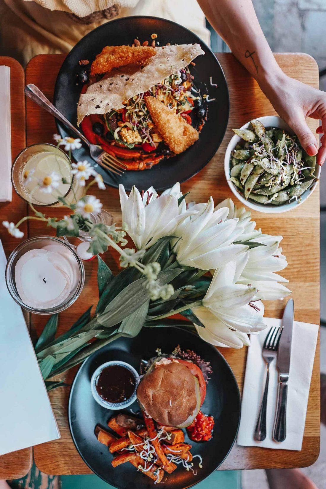 stylingliebe-mamablog-lifestyleblog-familienblog-muenchen-achtsamkeit-blogger-deutschland-ein-veganer-food-spot-in-muenchen-2-1100x1650
