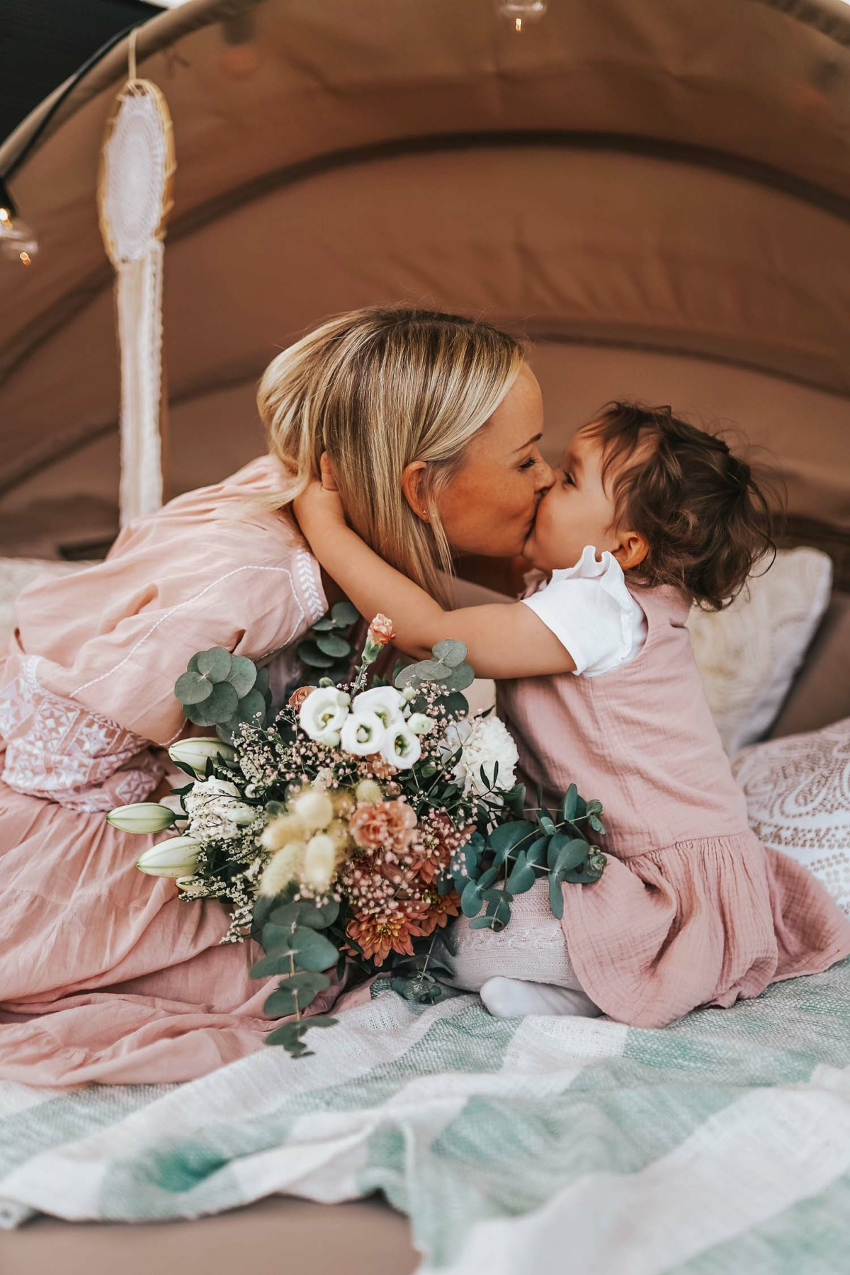 stylingliebe-juliamosig-achtsamkeit-mamablog-familienblog-muenchen-elternblog-mamablogger-familienblog-ostern-2020-und-erinnerungen-fuer-die-ewigkeit-3