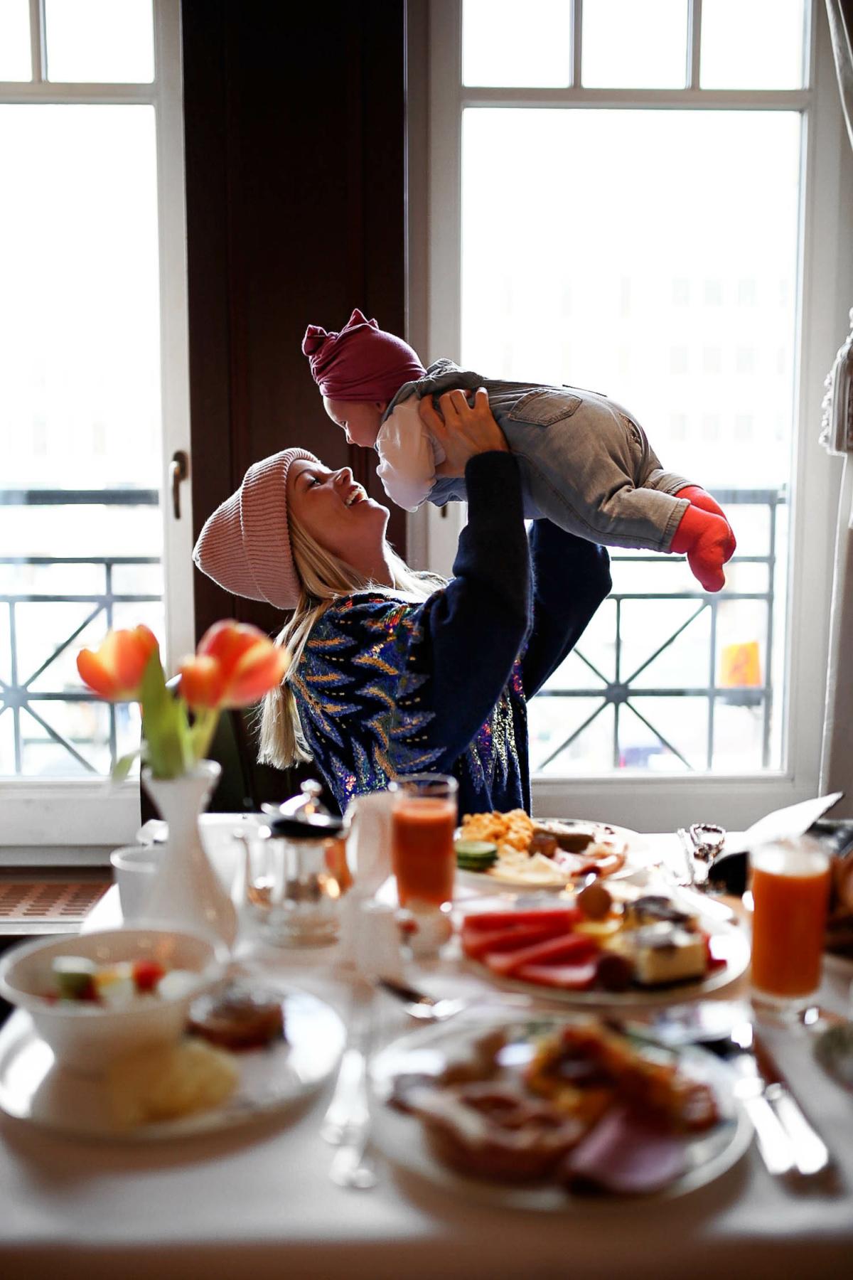 stylingliebe-lifestyleblogger-mamablog-fashionblog-muenchen-styleblog-blogger-deutschland-lifestyleblog-mamablogger-modeblog-unsere-erste-fashion-week-mit-baby-zu-besuch-im-hotel-adlon-kempinski-2