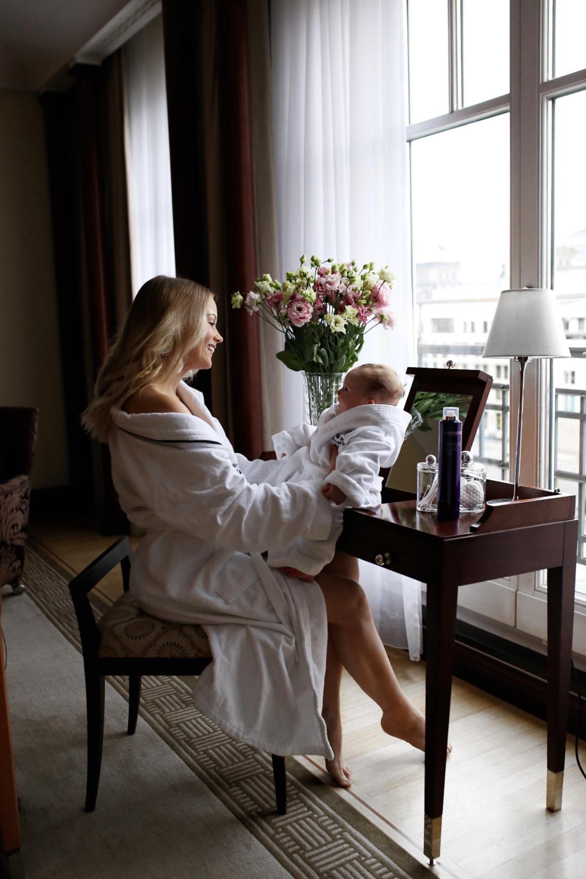 stylingliebe-lifestyleblogger-mamablog-fashionblog-muenchen-styleblog-blogger-deutschland-lifestyleblog-mamablogger-modeblog-unsere-erste-fashion-week-mit-baby-zu-besuch-im-hotel-adlon-kempinski-8